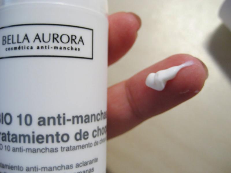 Textura de la crema BIO 10 Antimanchas de Bella Aurora